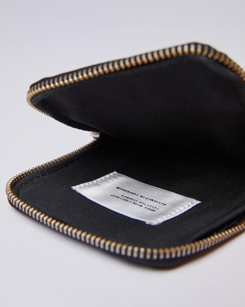 Sandqvist - Phone pouch - Black - INGE 4
