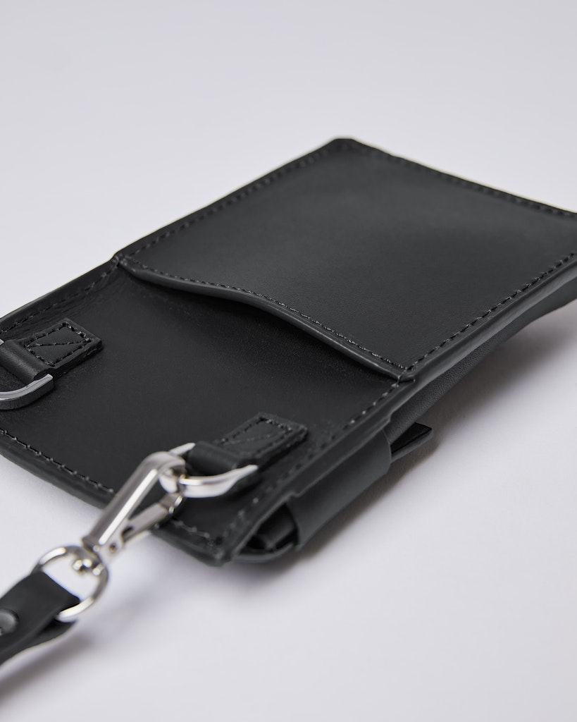 Sandqvist - Phone pouch - Black - NOEL 1