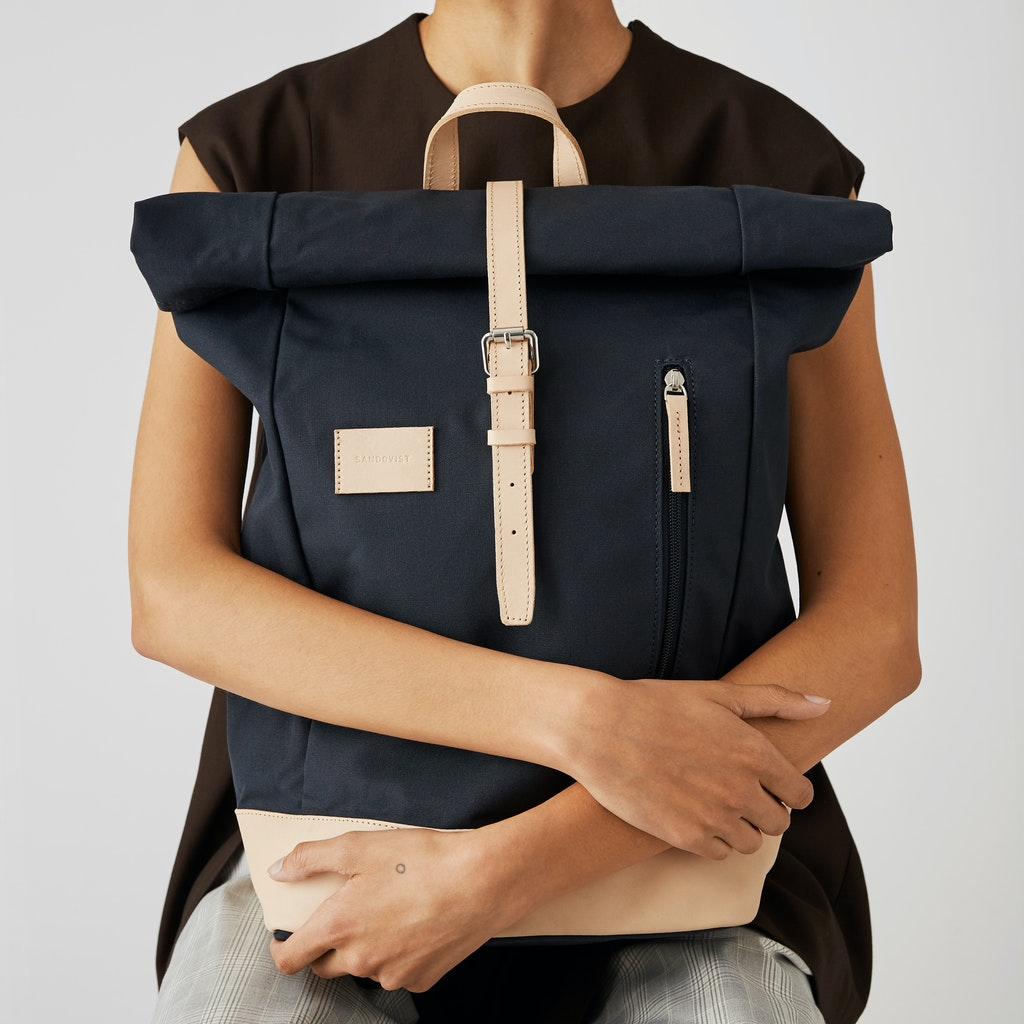 Sandqvist - Backpack - Navy and Beige - DANTE GRAND 4