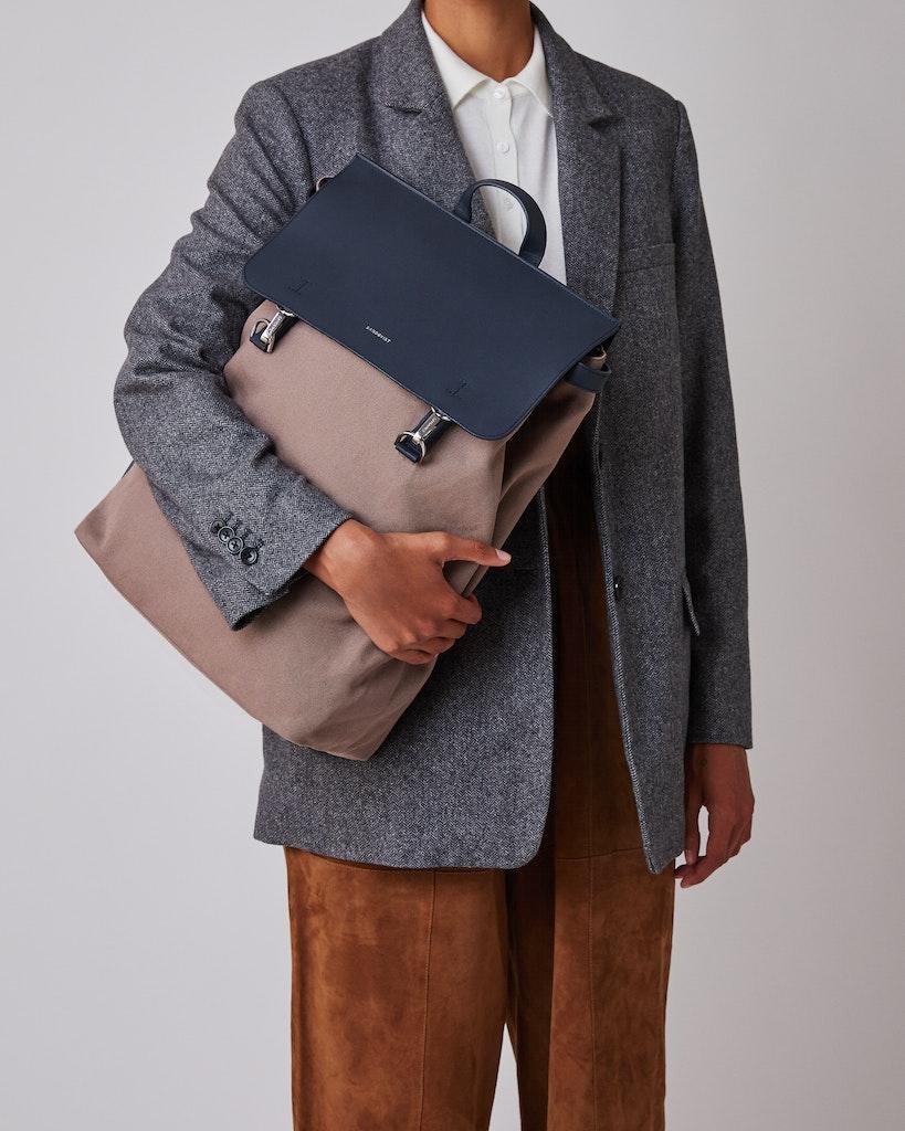 Sandqvist - Backpack - Brown and Navy - HEGE METAL HOOK 2