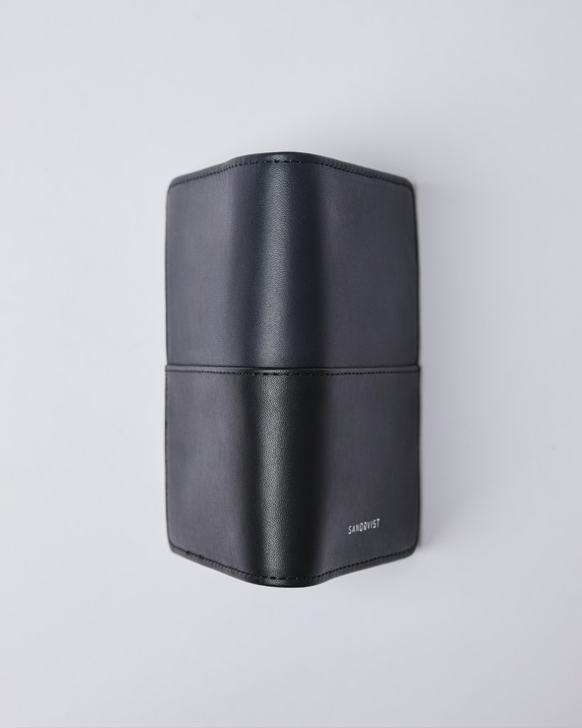 Sandqvist - Passport Sleeve - Navy Black - MALTE 1