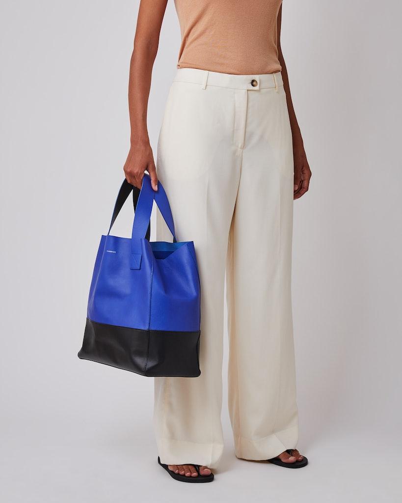 Sandqvist - Tote Bag - Blue and black - IRIS 6