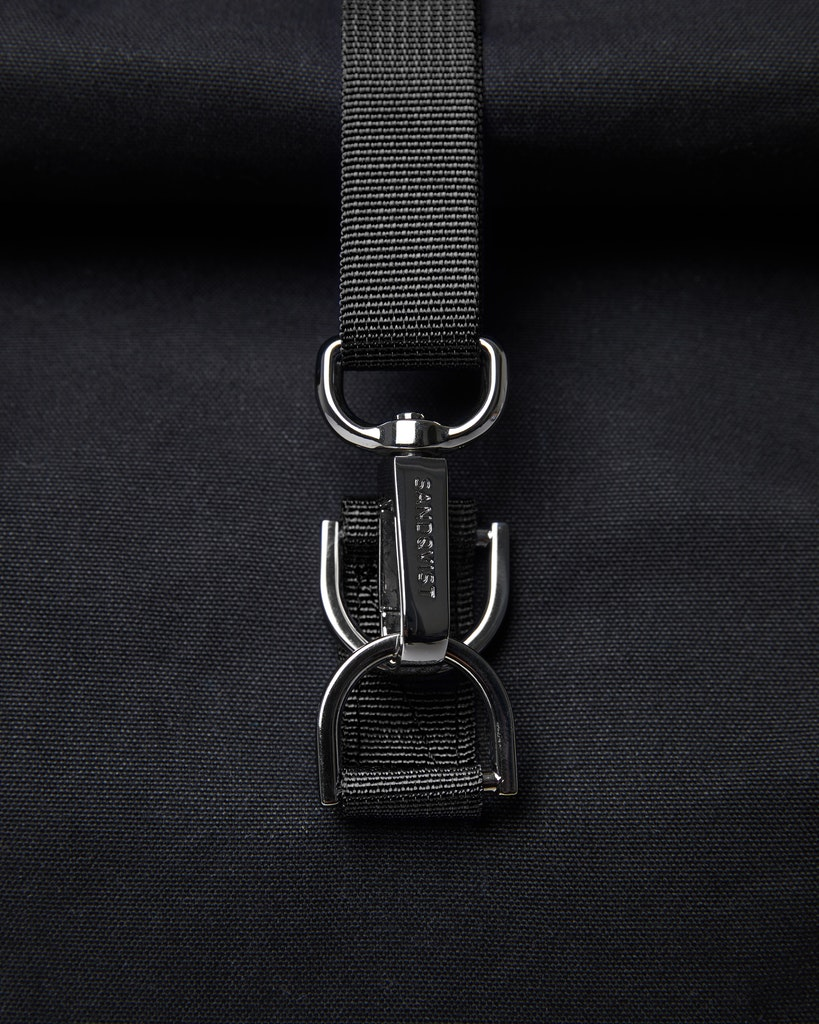 Sandqvist - Backpack - Black - Black webbing - DANTE METAL HOOK 1