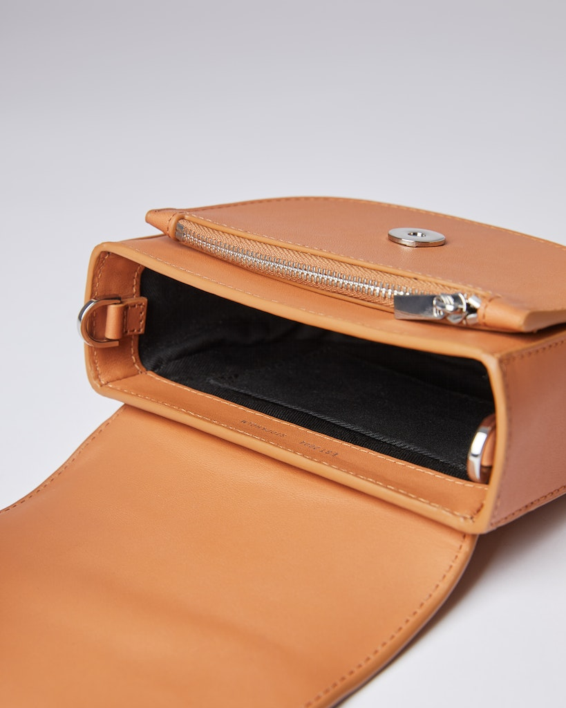 Sandqvist - Shoulder bag - Toffee - VENDELA LEATHER 4